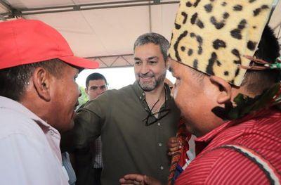 Abdo insta a la clase política a unirse mediante el trabajo