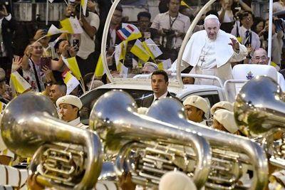 El papa pide a las religiones colaborar contra los males de la globalización