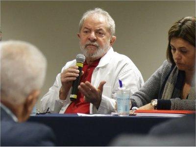 Lula dice que Evo cometió un error al buscar reelección