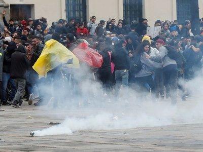 Ola de violencia pone a Bogotá bajo un inédito toque de queda