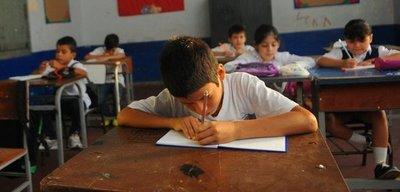 Cierre de aulas favorecerá a la deserción escolar aseguran directores
