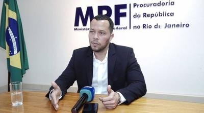 HOY / Fiscal brasileño reconoce que solo tienen la carta y los chats de Whatsapp como pruebas