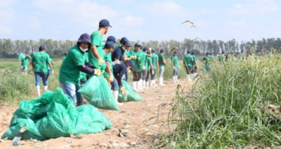 Unos 500 voluntarios limpiaron el arroyo Mburicaó