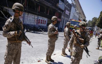 Piñera busca que militares protejan infraestructuras públicas