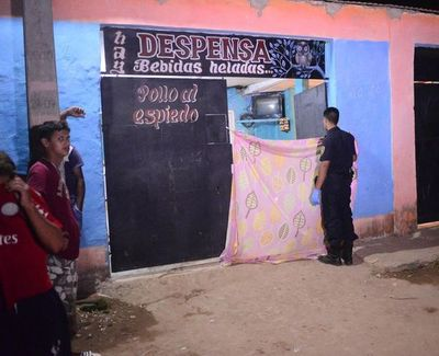 Asesinan de una puñalada a una mujer en Santa Lucía