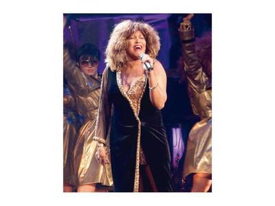 Tina Turner, con tormentos y éxitos, cumple 80 años