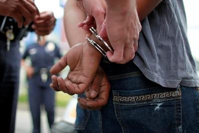 Trasladan a presuntos narcos tras decomiso de droga
