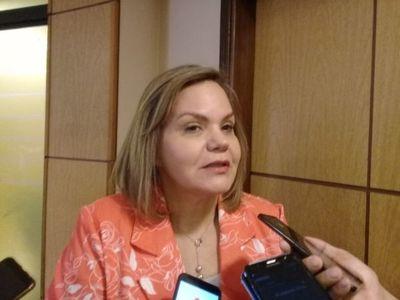 """Senadores, tibios a la espera de """"comunicación oficial"""" sobre el caso Cartes"""