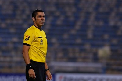 Mario Díaz de Vivar dirigirá el duelo Olimpia-Capiatá