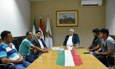 OLEROS CERAMISTAS DEL PARQUE INDUSTRIAL SE REUNIERON CON EL GOBERNADOR
