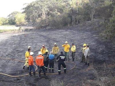 Grave incendio afectó al Cerro Antena