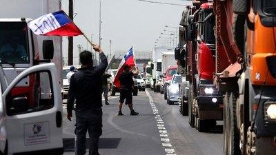 """Chile: camioneros anuncian una """"inminente paralización"""" y amenazan con llevar el país """"al caos en pocos días"""""""