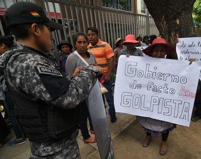 ¿Por qué los militares abandonaron a Evo Morales?