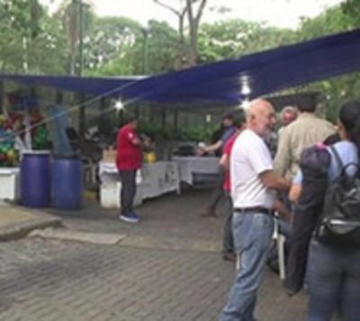Funcionarios de la ANDE protestan contra recorte presupuestario