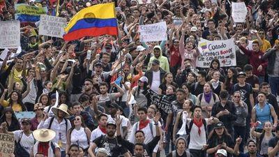 Líderes de protestas elevan la presión con un nuevo paro nacional en Colombia