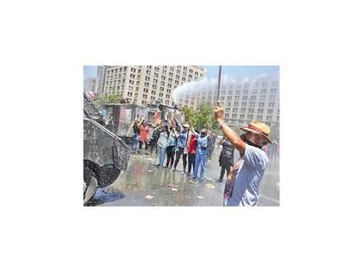 Chile cumple 40 días de convulsión sin lograr la paz social