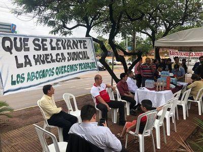 Abogados de Ciudad del Este piden fin de huelga judicial