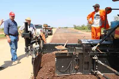 Ministro recorrió obradores de Lote 5, 6 y 8 de la Ruta Transchaco