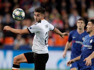 El Valencia no resuelve en Mestalla y se la jugará en Amsterdam