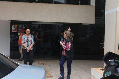 """Pedófilo, es un señor pedófilo"", dice esposa de González Vaesken"