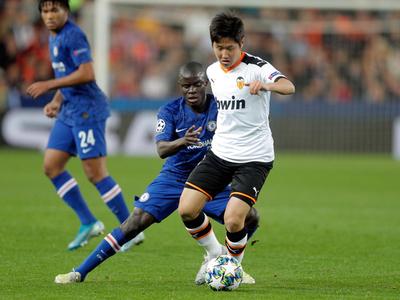Valencia y Chelsea firman entretenido empate en Mestalla