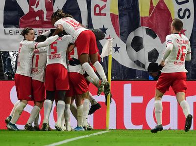 Leipzig clasifica con un agónico empate