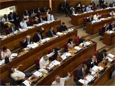 Senado retrasa suba docente, pero aprueba polémico reajuste a ANDE