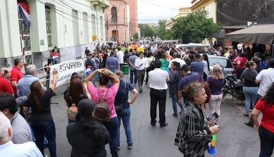 Huelguistas de Hacienda protagonizan nuevos incidentes