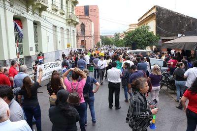 Benigno López dijo que pedirán calificar de ilegal huelga en Hacienda