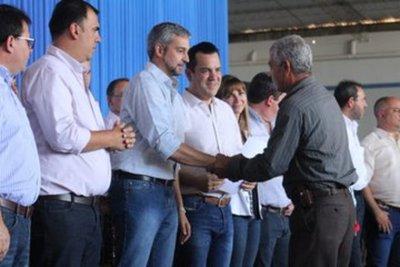 Gobierno entregó seguro agrícola a más de mil beneficiarios en Caazapá