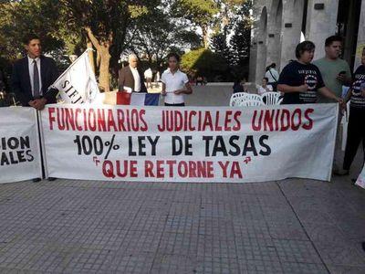 Descontarán salario a funcionarios judiciales que hicieron huelga