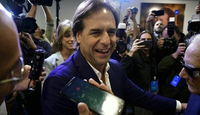 Mario Abdo felicita al nuevo presidente de Uruguay