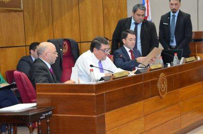 Carece de legitimidad expulsión de Payo Cubas, según senador del Frente Guasu