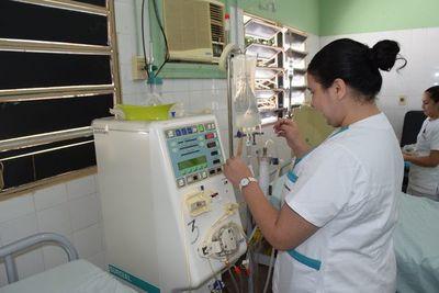 Polémica por retiro de máquinas para hemodiálisis