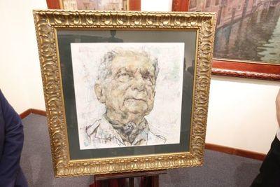 Museo Bellas Artes recibió retrato pintado de Roa Bastos