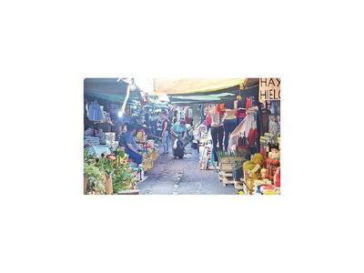 Urgen amparo para despeje de calles cerradas en  Mercado 4