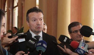 Encapuchados amenazaron a Carlos Arregui, ministro de Seprelad
