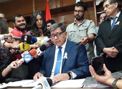 Armando Gómez aclara que no está 'desaparecido' y que sigue siendo intendente