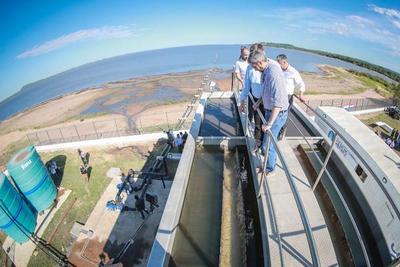 Inauguran planta móvil para garantizar servicio de agua en San Bernardino