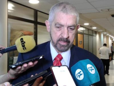 Kencho Rodríguez sostiene que se cumplió el debido proceso para destituir a Paraguayo Cubas
