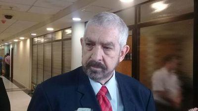 """""""Kencho"""" Rodríguez reivindicó su banca en el Senado"""