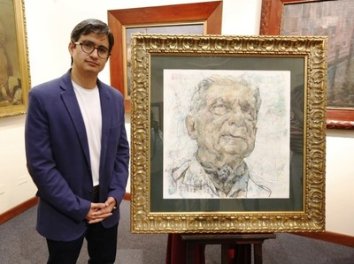 Artista ecuatoriano dona retrato de Roa Bastos al Museo de Bellas Artes