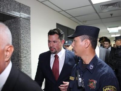 Quintana volverá a prisión: para el juzgado sí hay peligro de obstrucción, sí hay peligro de fuga, dice jueza