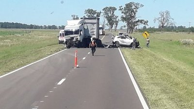 Familia muere en grave accidente en Corrientes