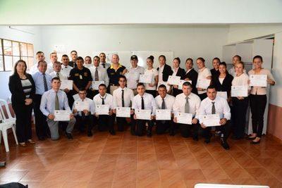 CDE cuenta con 26 nuevos Policías de Tránsito