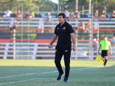 Gustavo Costas empieza a apuntar a la final