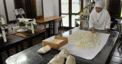 120.000 hostias hechas por cuatro monjas