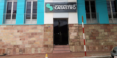 Hacienda conforma equipo para ampliar mejoras en Catastro