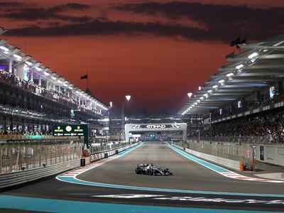 Lewis Hamilton saldrá desde la pole en Yas Marina