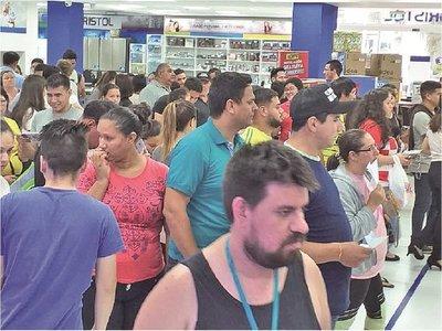 Dinamismo de compras del Black Friday sigue todo el fin de semana